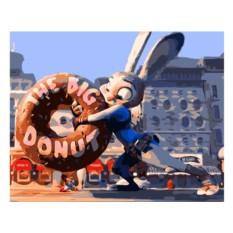 Картина по номерам «Джуди с пончиком»