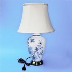 Лампа с абажуром (белая с голубыми ветвями и птицей)