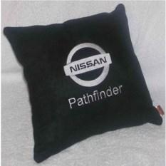 Черная подушка Nissan Pathfinder