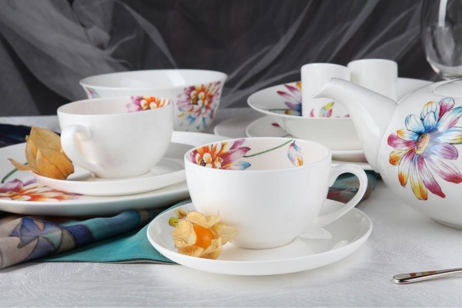 Фарфоровый чайный сервиз на 13 предметов Каприз