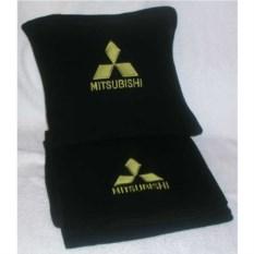 Черный плед с золотой вышивкой Mitsubishi