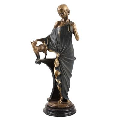 Сувенир «Девушка с кошкой»