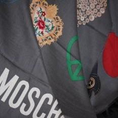 Шерстяная шаль Moschino