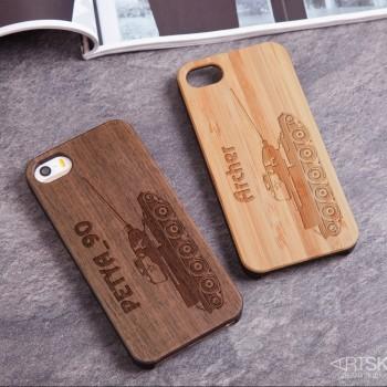 Деревянный чехол для iPhone Танк с гравировкой
