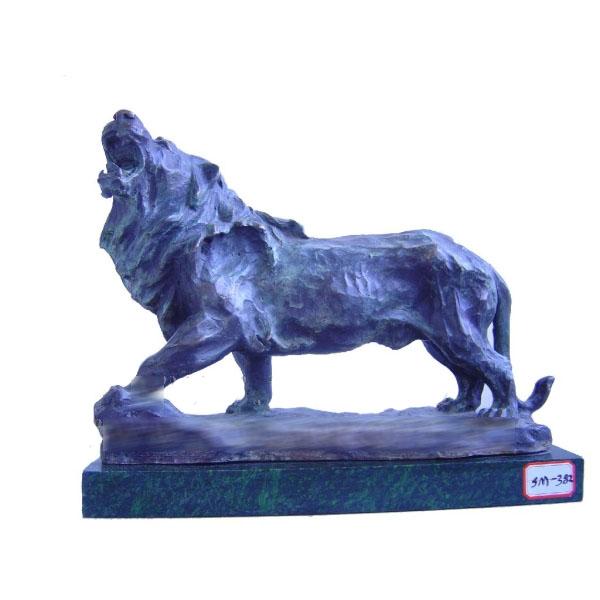 Статуэтка «Ревущий лев»