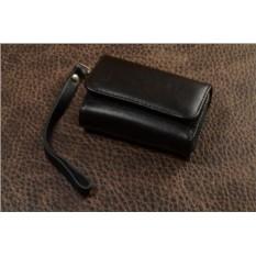 Черный кожаный  чехол для фотоаппаратов