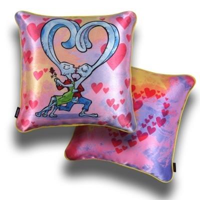 Декоративная подушка «Лепестки ро»
