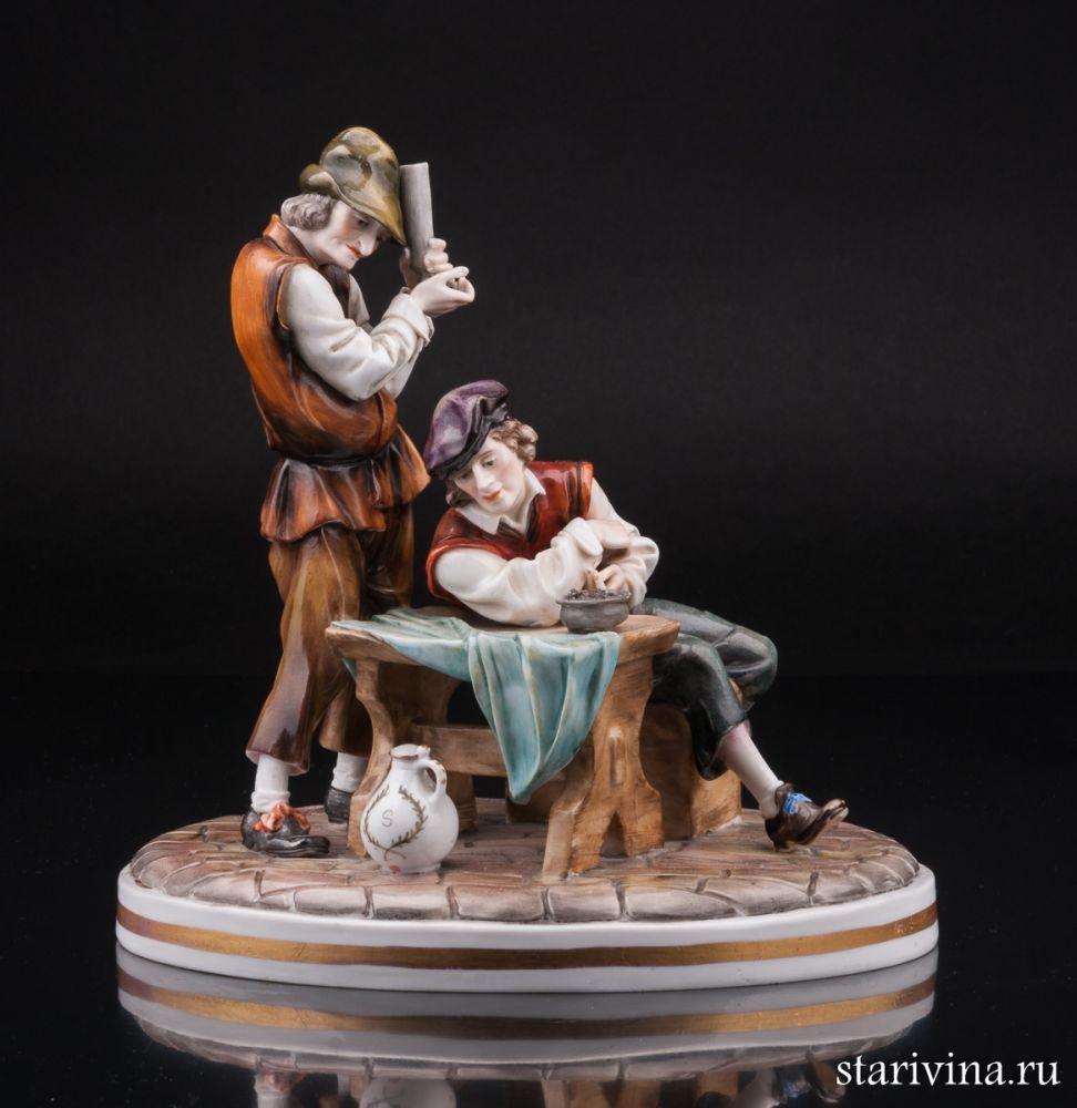 Фарфоровая статуэтка Мужчины в таверне