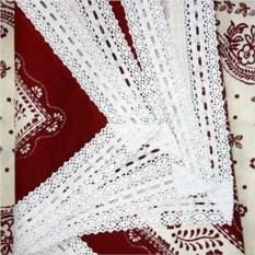 Бордовая скатерть с кружевами (150х250 см)