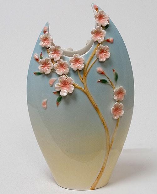 Фарфоровая скульптурная ваза Цветущая сакура