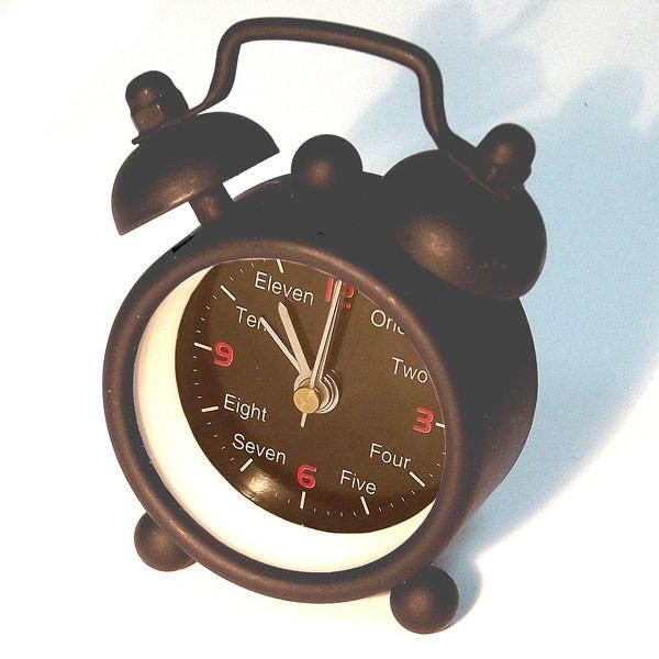 Часы-будильник (очень маленький)