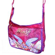 С внешней стороны сумка оформлена красочным изображением героинь...