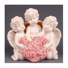 Фигурка «Три ангела с сердцем из роз»