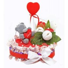 Букет из цветов и конфет Для любимой