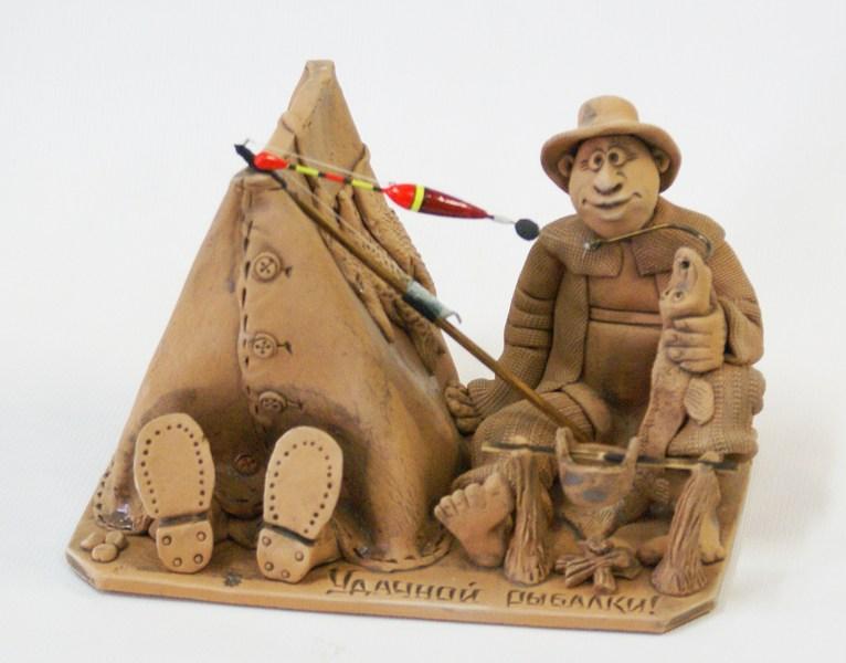 Глиняная композиция Рыболов с палаткой