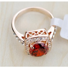 Кольцо с красным цирконием в филигранной оправе Вечность