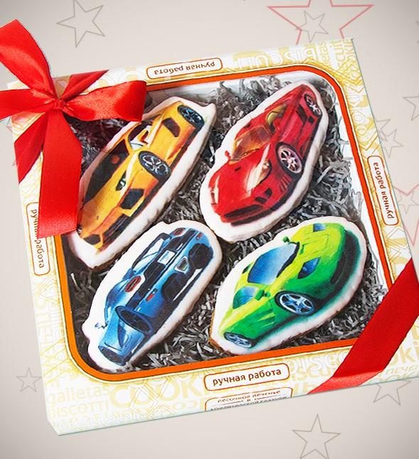Подарочное печенье «Спортивные машинки»