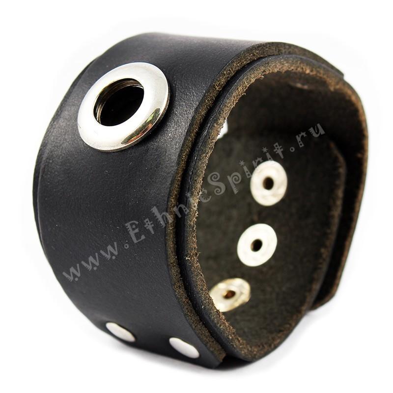 Кожаный браслет с металлическим кольцом