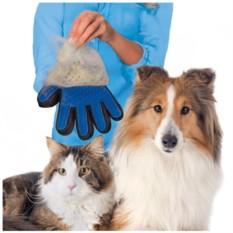 Перчатка для вычесывания шерсти домашних животных TrueTouch