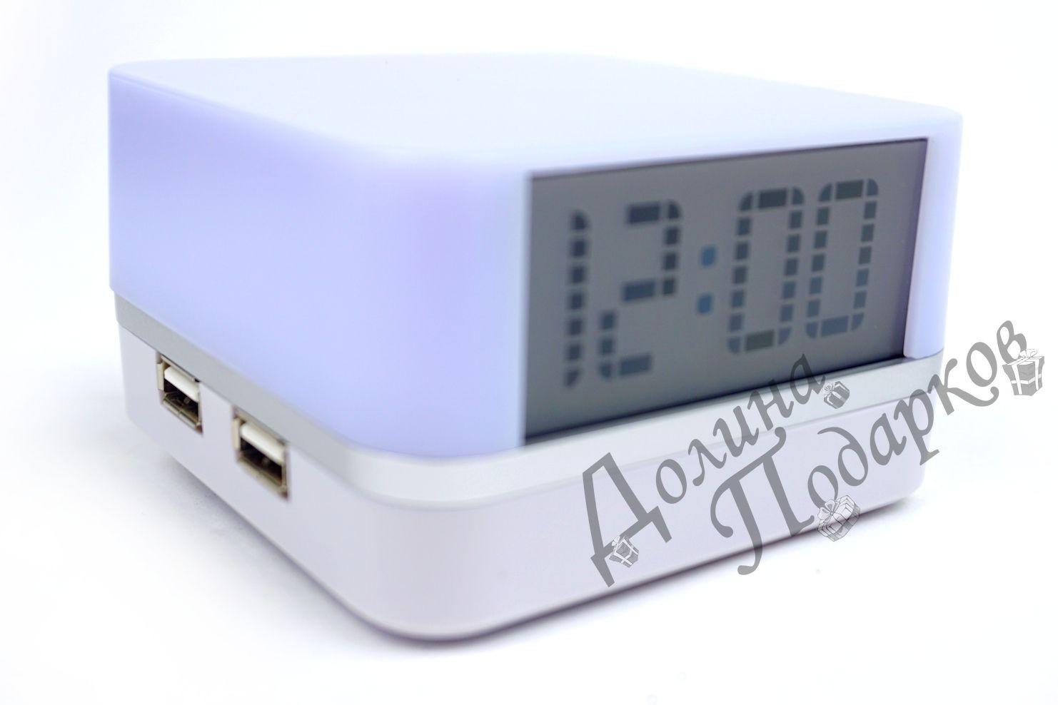 Белый USB-хаб с часами