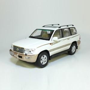 Модель Toyota Land Cruiser 100 2005'