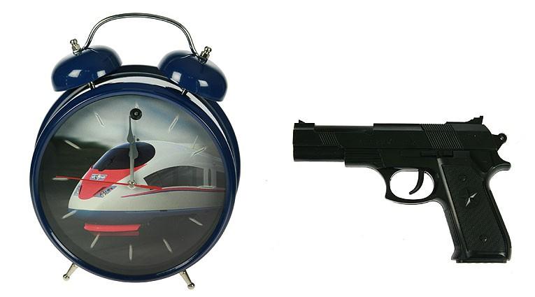 Темно-синие часы-будильник Меткое пробуждение с пистолетом