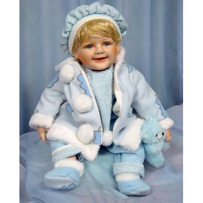 Кукла с голубым мишкой