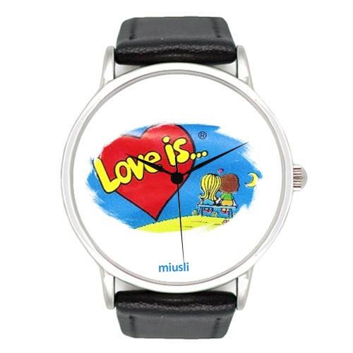 Наручные часы Love is