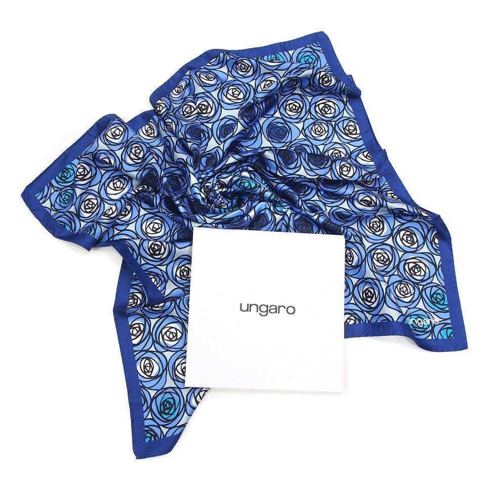 Модная женская косынка с цветочками Ungaro
