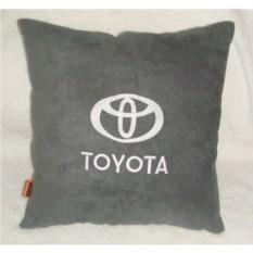 Серая с белой вышивкой подушка Toyota