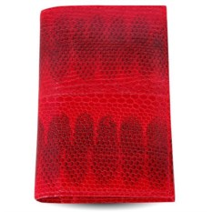 Красная обложка из морской змеи для паспорта и документов