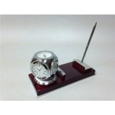 Настольный прибор: часы, термометр, гидрометр и ручка