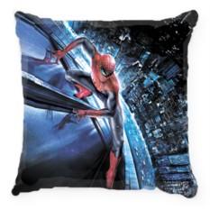 Подушка Человек-паук на здании