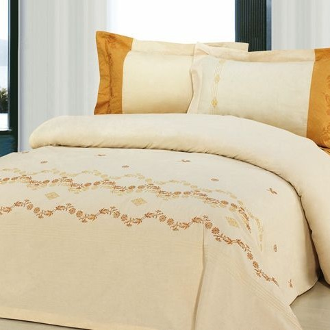 Постельное бельё из сатина с вышивкой «Лавур»