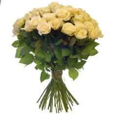 Букет из 51 белой розы высотой 50 см