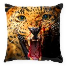 Подушка Тигр с окровавленной пастью