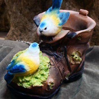 Кашпо «Башмак с синичками»