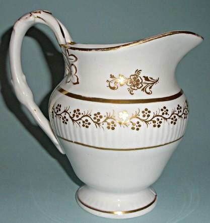Антикварный молочник конца XIX века