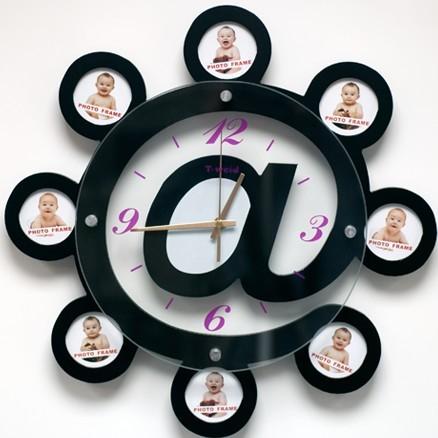 Настенные часы с фоторамками Собачка
