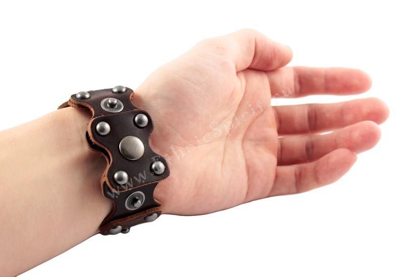 Кожаный браслет в стиле Steampunk