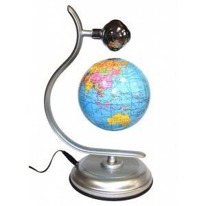 Левитирующий глобус над подставкой