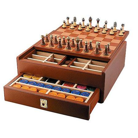 Подарочный набор шахматы+шашки+карты+фишки
