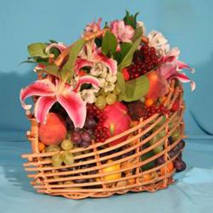 Корзина с фруктами и цветами «Дикий Ангел»