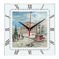 Квадратные настенные часы Москва. Зима