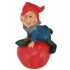 Садовая фигура Гном на яблоке
