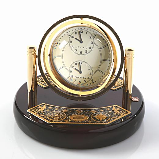 Часы «Двойственность»