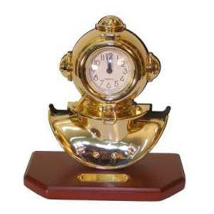 Часы в виде водолазного шлема