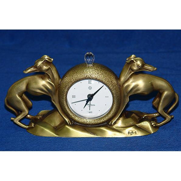 Часы «Борзые»