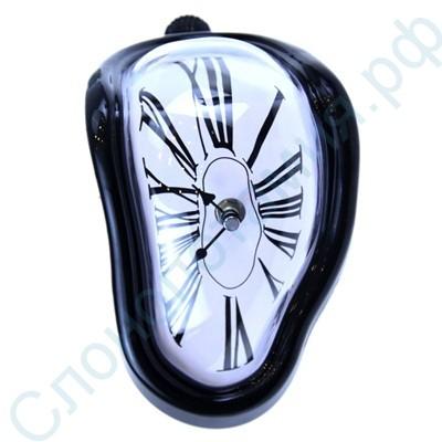 Мягкие стекающие часы в стиле Сальвадора Дали