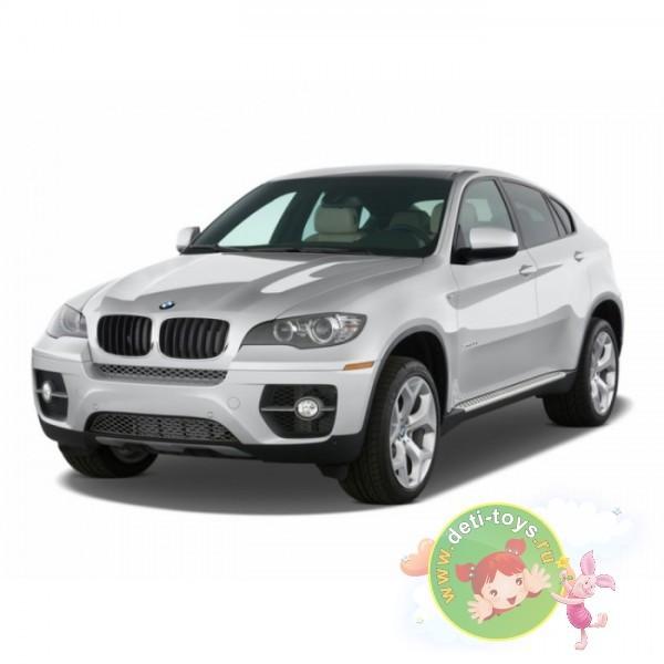 Серебристая радиоуправляемая машина BMW X6 M